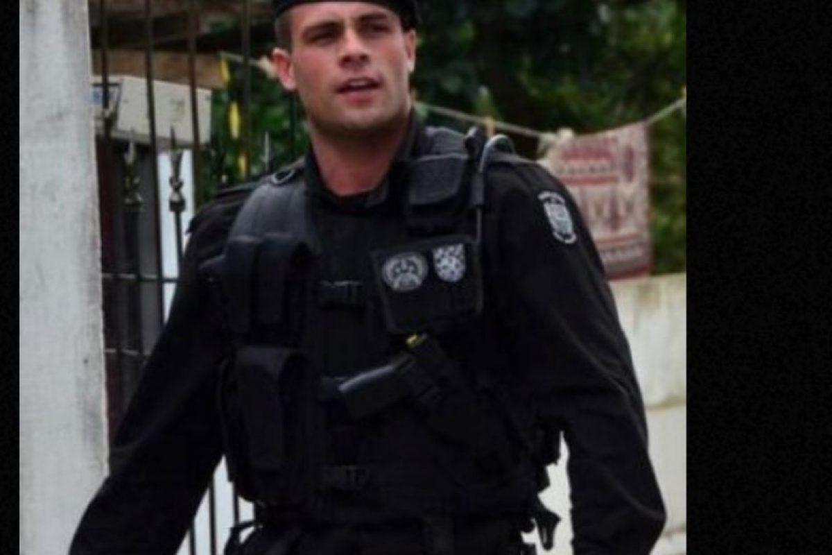 Es un apuesto teniente del Batallón de Operaciones Especiales en Brasil. Foto:vía Instagram. Imagen Por: