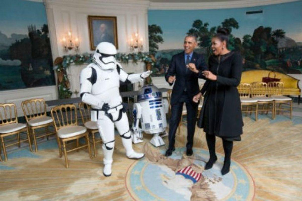 La Casa Blanca tuvo el detalle de publicar el video en el que bailan con distintos personajes. Foto:whitehouse.gov. Imagen Por: