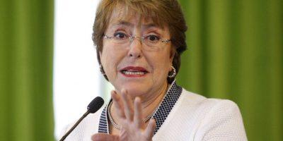 """Bachelet y crisis en Chiloé : """"No los vamos a dejar solos frente a los efectos de la marea roja"""