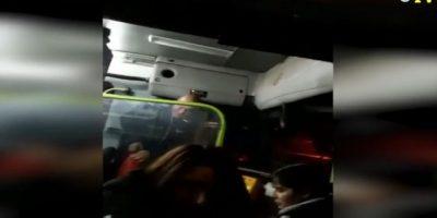 Chofer que lanzó químico de extintor a pasajeros: