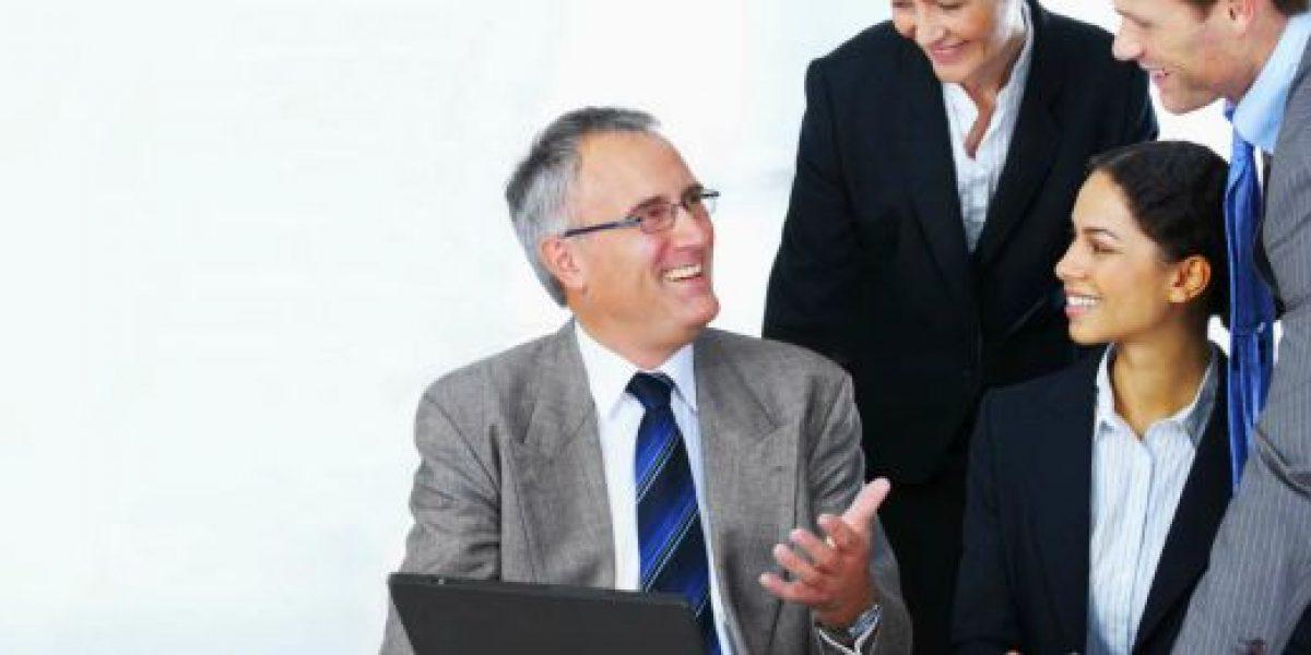 Alertan que empresas deberán saber retener los talentos mayores de 55 años