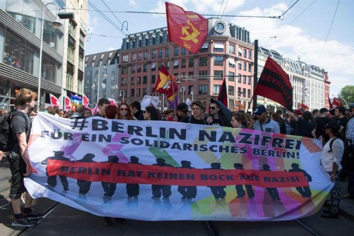 """Otra marcha, bajo el lema """"Berlín libre de nazis"""". Foto:Efe. Imagen Por:"""