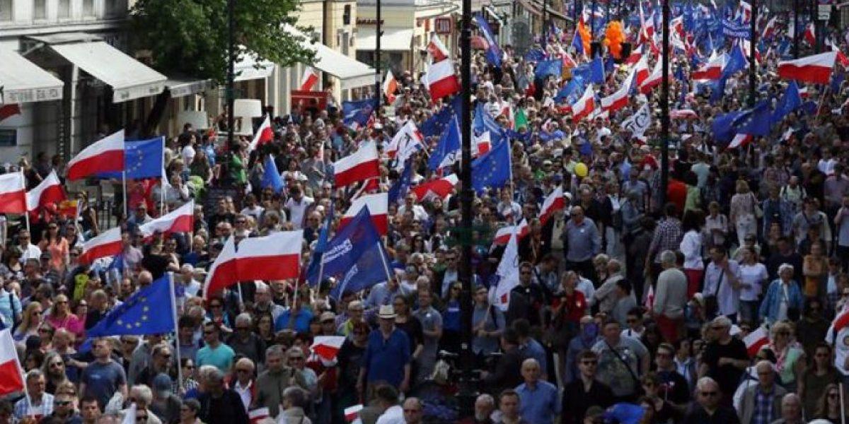 Críticos del Gobierno ultraconservador polaco protagonizan la mayor manifestación desde 1989