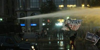 Santiago: marcha en apoyo de pescadores culmina en enfrentamiento con Carabineros