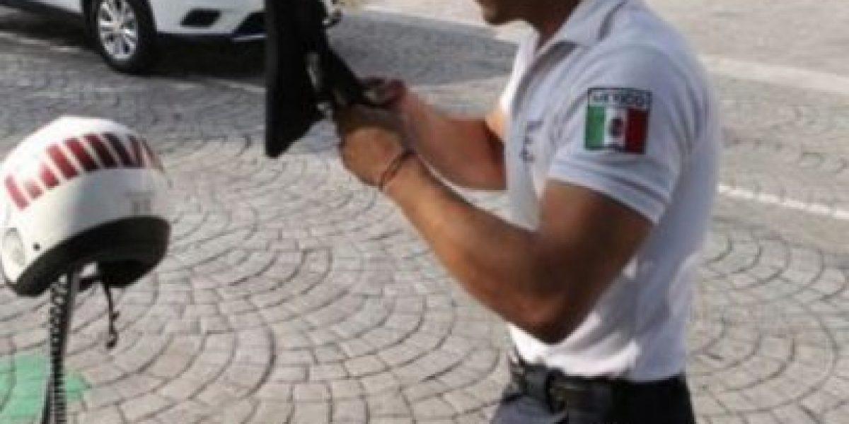 Este atractivo policía podría ser el
