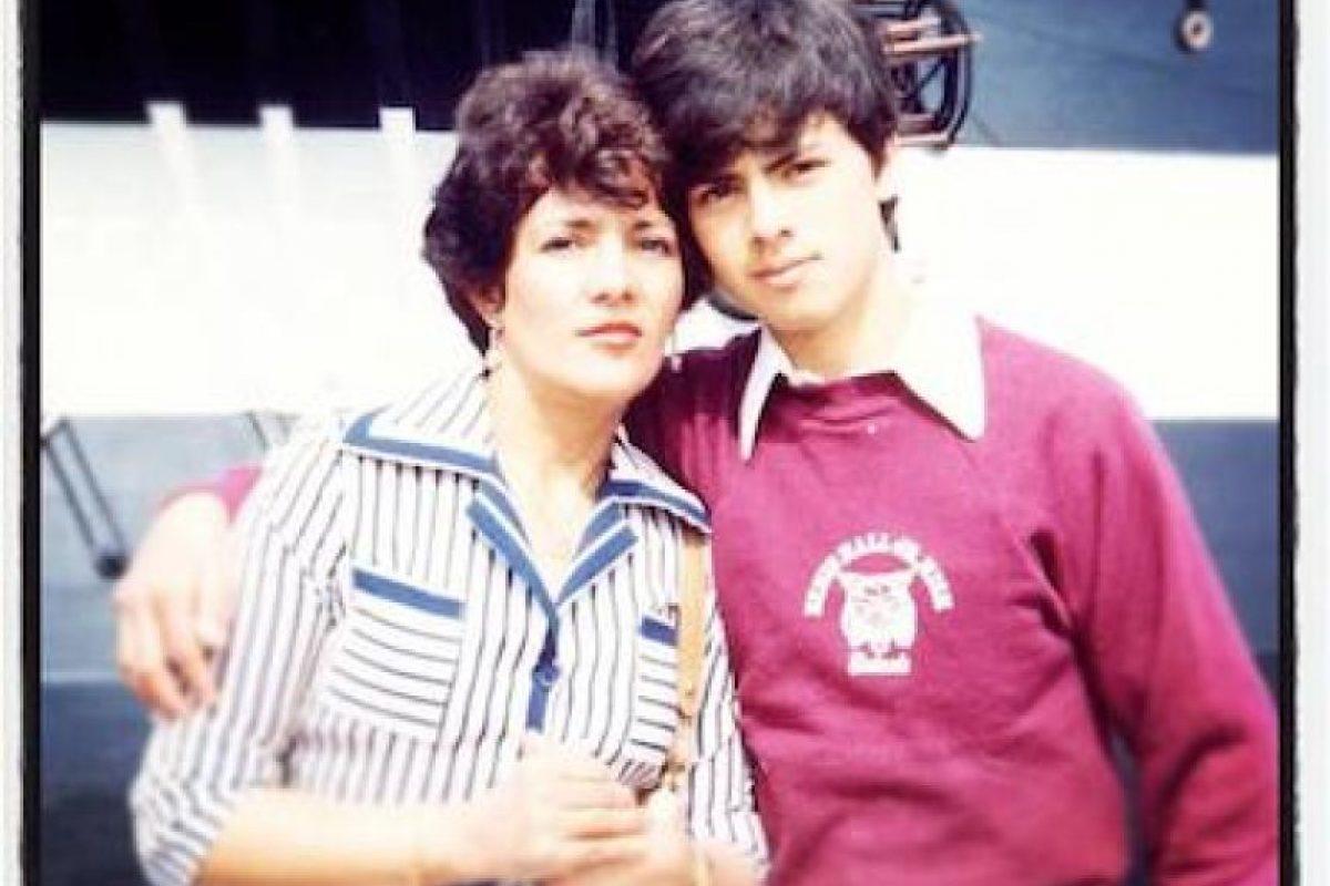 Y su madre, María del Socorro Nieto Sánchez. Foto:Facebook.com/EnriquePN. Imagen Por: