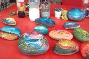 Aquí algunas de sus obras. Foto:Vía Facebook/UnapiedraparaunhermanoOficial/. Imagen Por: