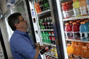 Estados Unidos ganó la segunda posición como uno de los mayores consumidores de bebidas azucaradas, con un estimado de 125 muertes por un millón de adultos. Foto:Getty Images. Imagen Por: