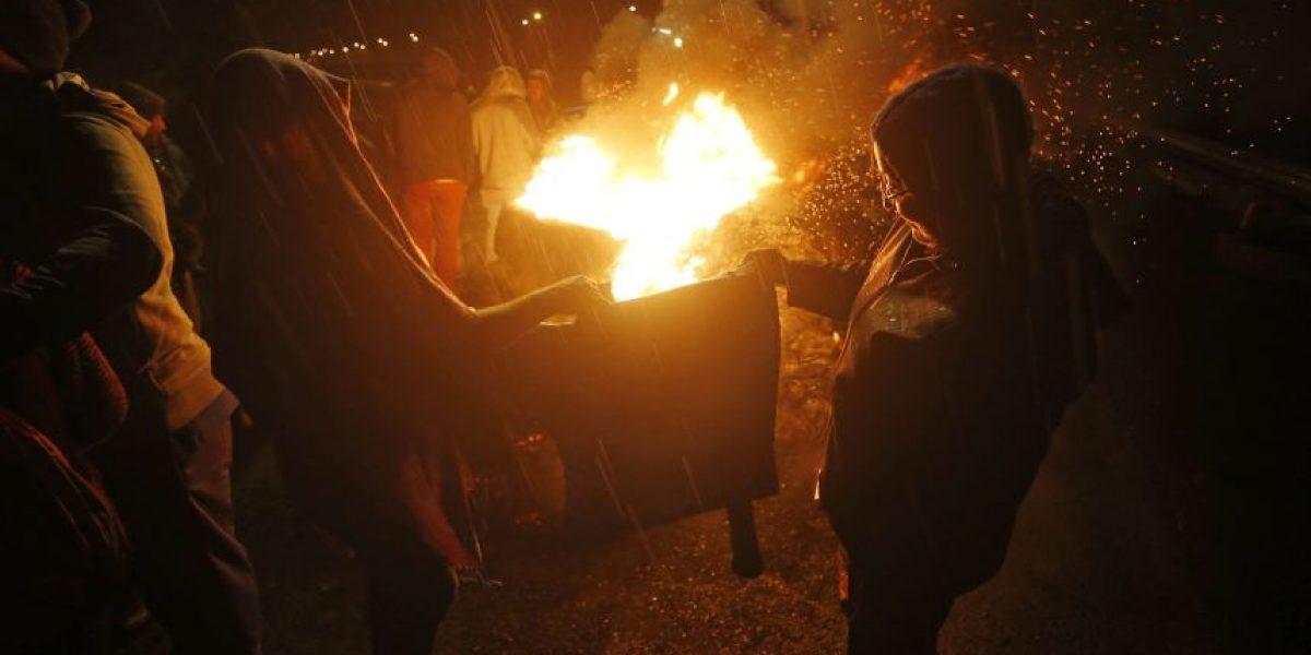 Protestas por marea roja: de madrugada fue bloqueada Ruta 5 Sur en Frutillar