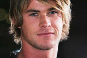 Chris Hemsworth con este corte de cabello. Menos mal se volvió Thor y se hizo más sexy. Foto:vía Getty Images. Imagen Por: