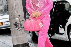 Las sudaderas de terciopelo y todo en un solo tono. Y sobre todo de ese rosa Barbie. Foto:vía Getty Images. Imagen Por: