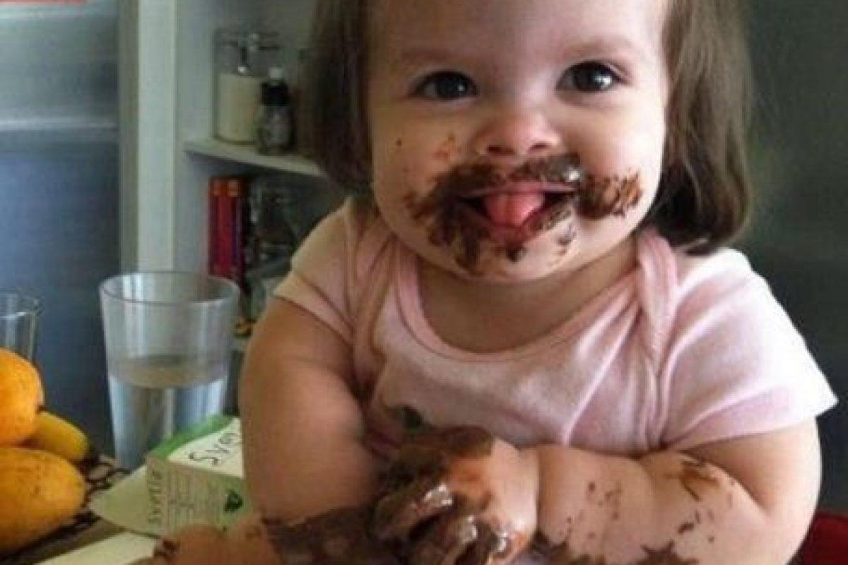 Comiendo chocolate. Foto:Vía Pinterest. Imagen Por: