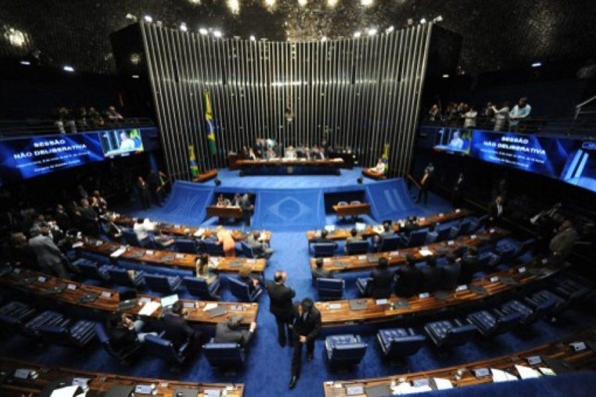 El viernes 6 de mayo los miembros del Senado votaron a favor del juicio político contra la mandataria. Foto:AFP. Imagen Por: