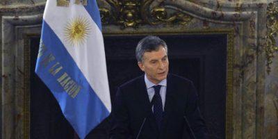 Gobierno argentino firma pacto con empresarios para evitar despidos