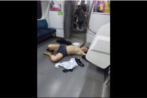 Y en Japón se volvió tendencia encontrarse a oficinistas totalmente ebrios en el transporte público Foto:Twitter.com. Imagen Por: