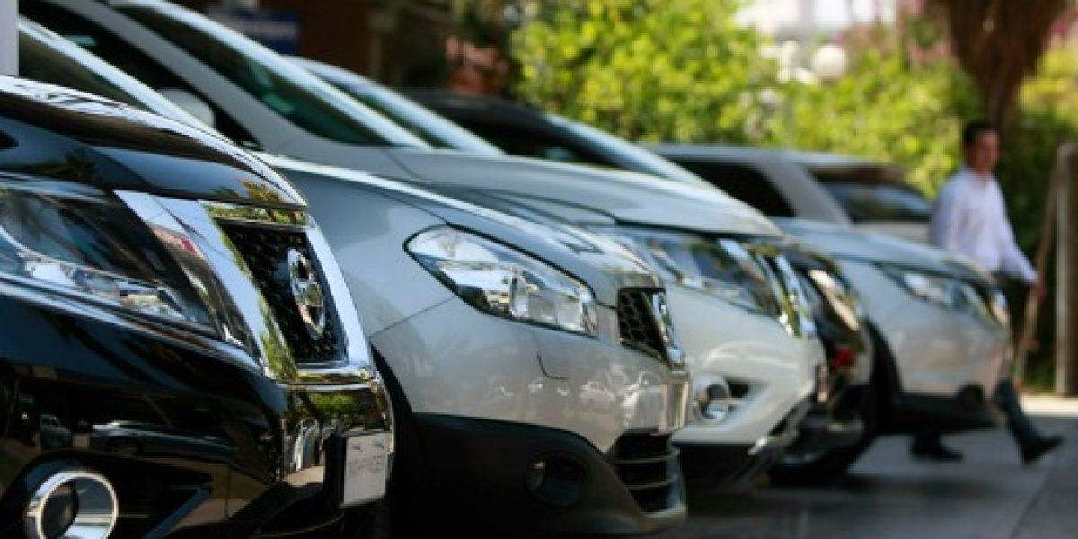 Anac: ventas de vehículos caen en abril pero mejoran proyecciones para 2016
