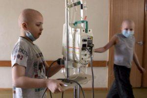 El cáncer de mama, el cáncer de pulmón y el cáncer de colon, que suelen afectar a los adultos, son extremadamente raros en los niños. Foto:Getty Images. Imagen Por: