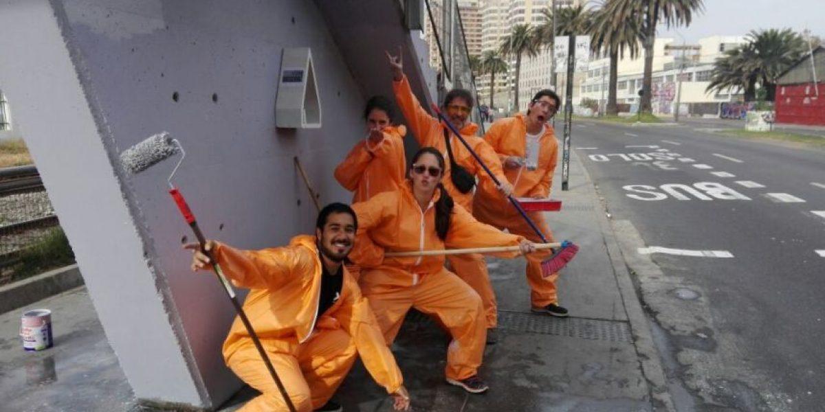 Acción Basura: la iniciativa que limpia e interviene los rincones olvidados de Valparaíso