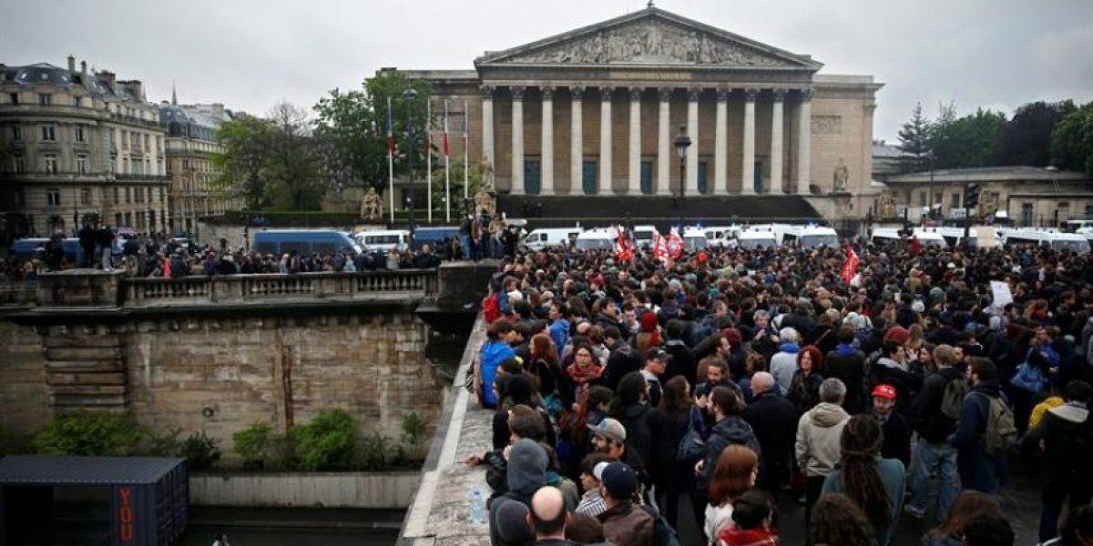 El gobierno francés recurre al decreto para imponer su polémica reforma laboral