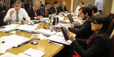 Comisión mixta aprueba control preventivo de identidad para mayores de 18 años