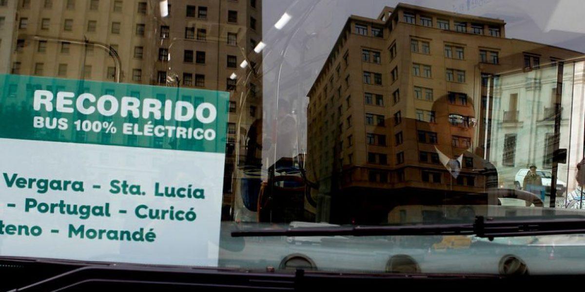 Destacan acuerdo entre Chile y Suecia para impulsar el uso de buses eléctricos en Transantiago