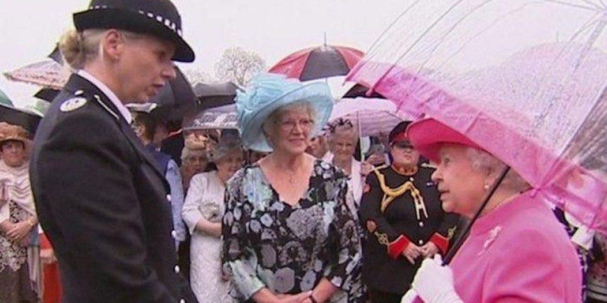 """Isabel II llama """"groseros"""" a la delegación china que visitó Reino Unido"""