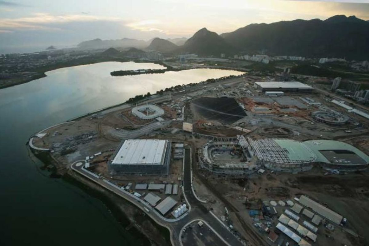 En Río de Janeiro trabajan a marchas forzadas para tener todo listo de cara a los Juegos Olímpicos. Construcciones como una nueva línea de metro y el velódromo estarán listos casi al arranque de los Juegos. Foto:Getty Images. Imagen Por: