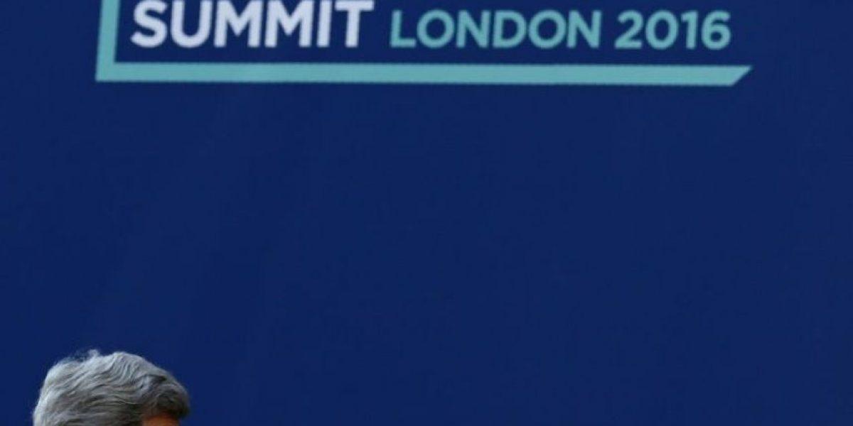 La cumbre de Londres se compromete a localizar y castigar a los corruptos