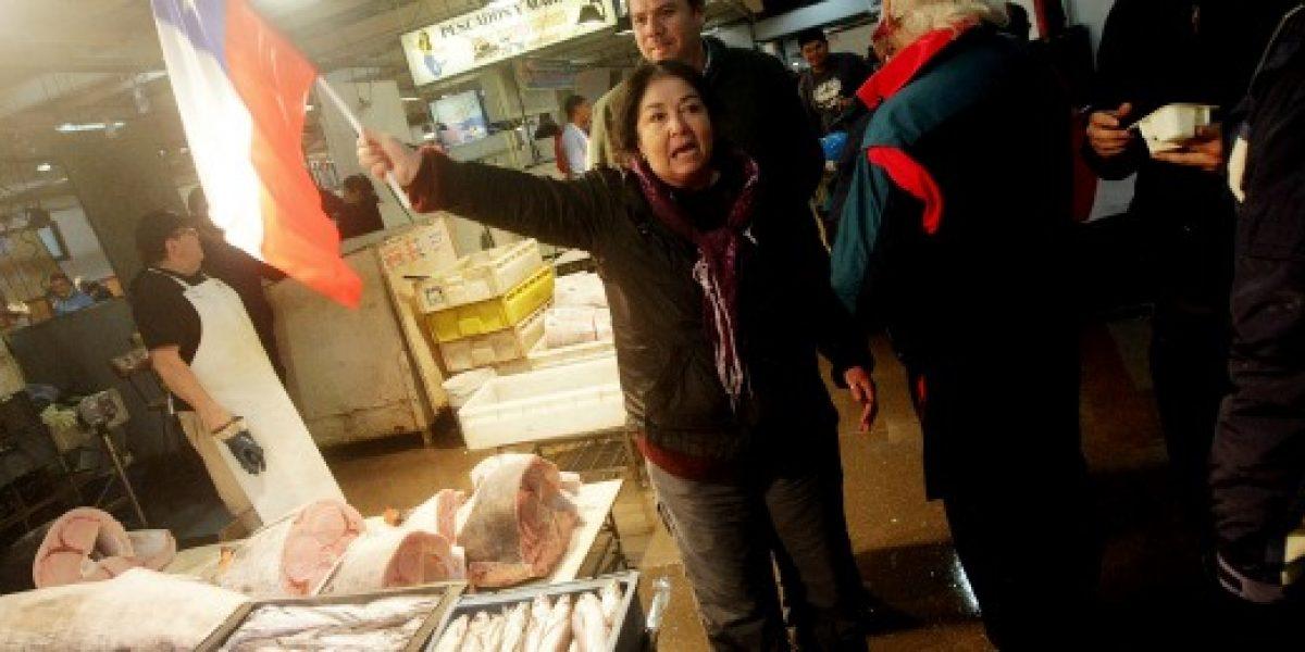 Marea roja: trabajadores del terminal pesquero alertan que sus ventas han caído un 80%