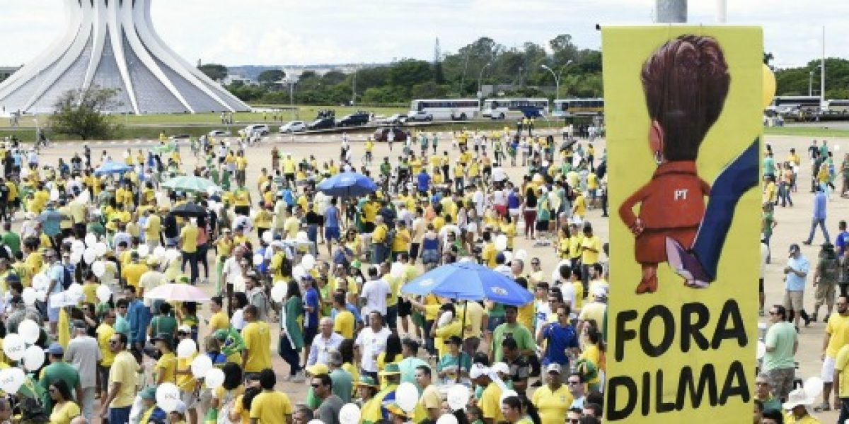 Analistas por actual escenario en Brasil: