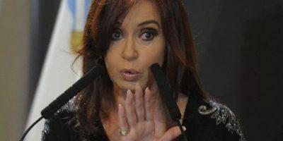 Procesan a Cristina Fernández y le embargan bienes por más de US$1 millón
