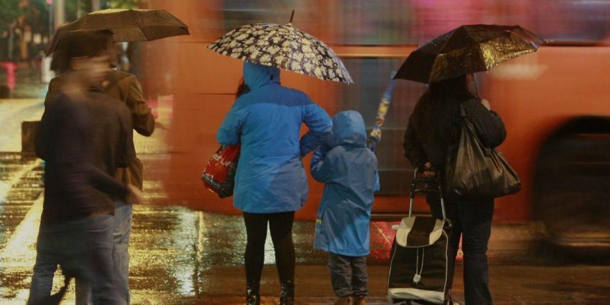 Pronostican lluvias para este sábado en Valparaíso y Santiago