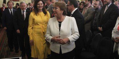 Londres: embajador boliviano sorprende a Bachelet con pregunta sobre integración entre países