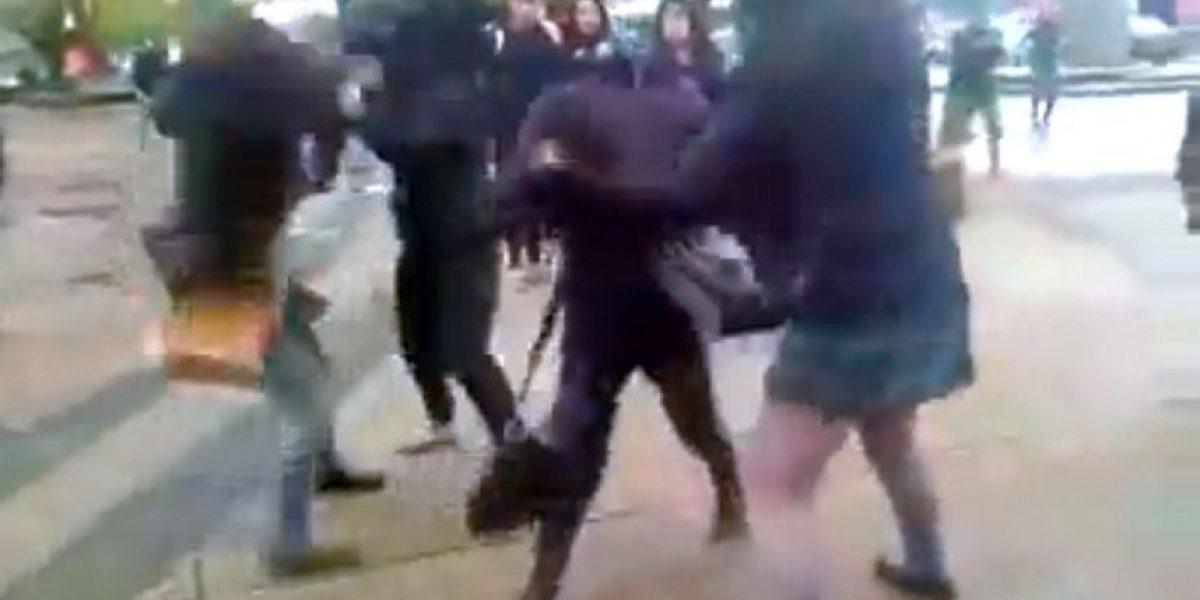 Escolar pierde parte de su oreja tras brutal pelea de mujeres en liceo de Iquique