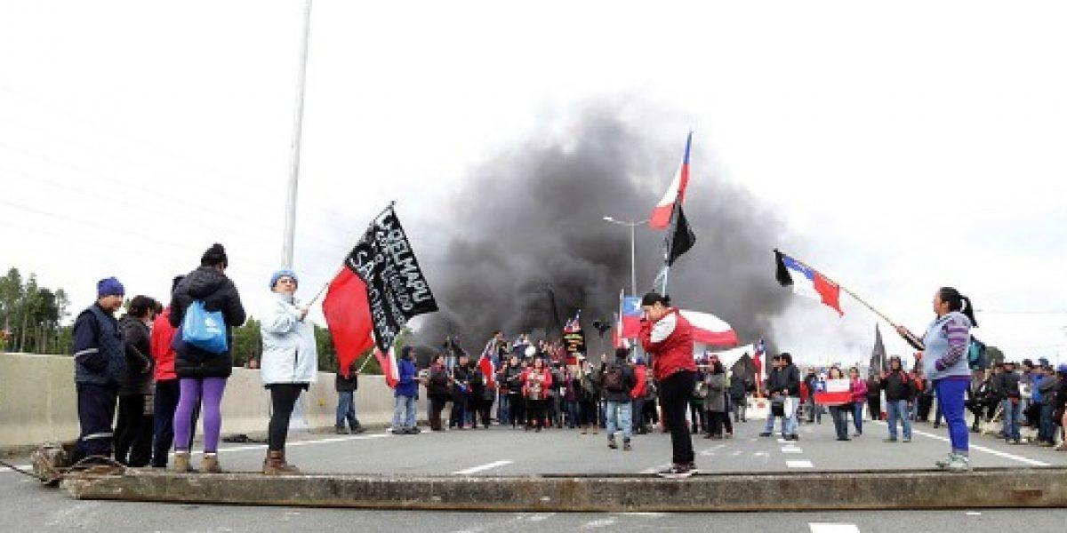 Trabajadores salmoneros exigen al Gobierno solucionar el conflicto con pescadores del sur