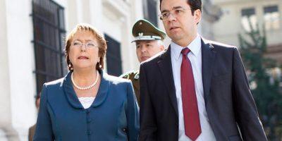 Marea roja: Presidenta designa a ministro Céspedes como coordinador de la crisis