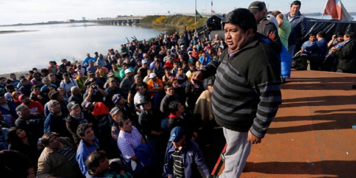 Pescadores aceptan figura del ministro coordinador pero mantienen bloqueos