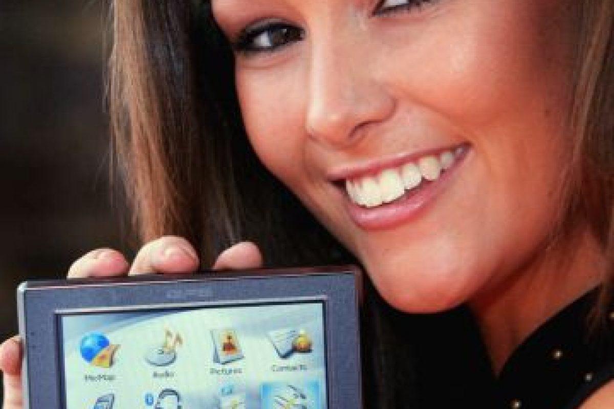 Ver el GPS es uno de los motivos más comunes para accidentes viales. Foto:Getty Images. Imagen Por: