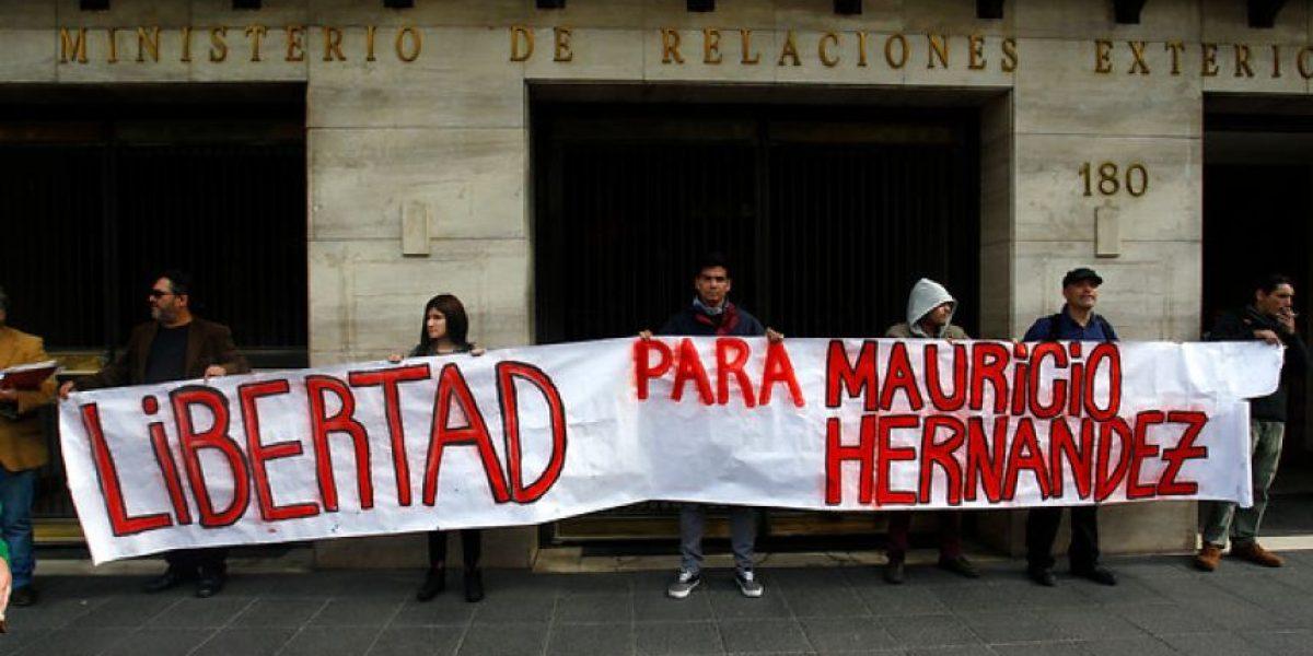 Protestan en Cancillería para exigir libertad de ex líder del FPMR