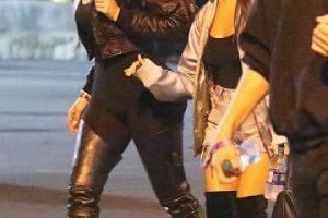 Khloé Kardashian muestra de más debido a un fallo en sus leggings Foto:Grosby Group. Imagen Por:
