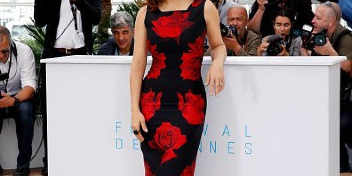 Fotos: Escote de Salma Hayek se roba la atención en Cannes