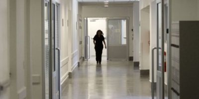Hospital San José deberá indemnizar con $100 millones a hijos de paciente por mal tratamiento