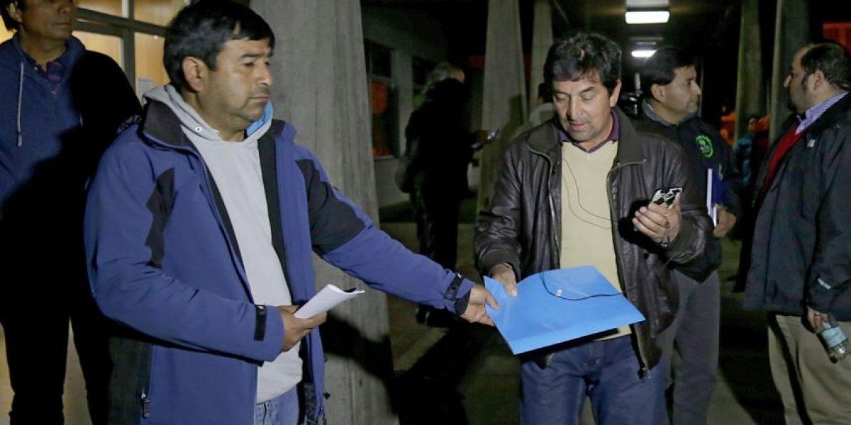Marea roja: sigue diálogo entre Gobierno y pescadores de Maullín, Calbuco y Quellón