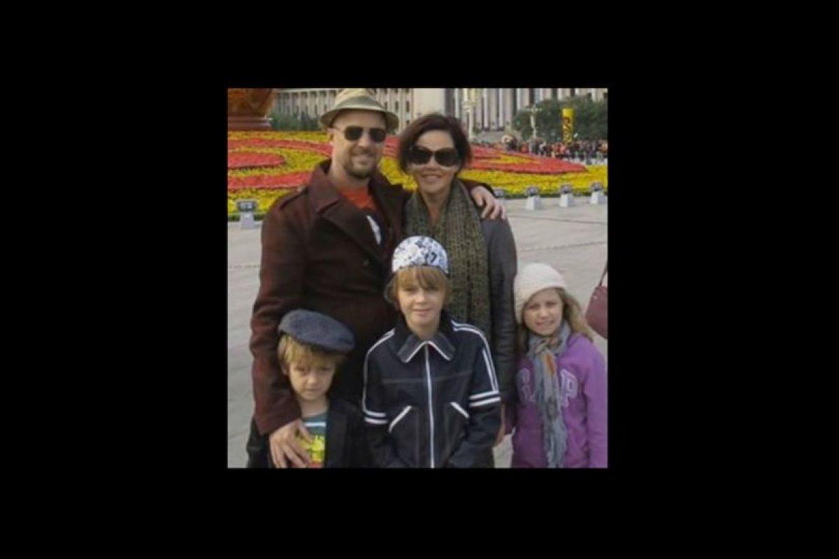 Anthony Maslin y Marite Norris junto a sus tres hijos Foto:Twitter. Imagen Por: