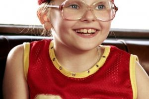 "Abigail Breslin se hizo famosa por ""Little Miss Sunshine"". Foto:vía Getty Images. Imagen Por:"
