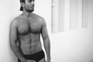Jwan Yosef presume sus músculos Foto:Vía instagram.com/ricky_martin. Imagen Por:
