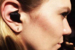 que los audífonos no solo traduzcan lo que dice la persona con la que se charla, Foto:Waverly Labs. Imagen Por: