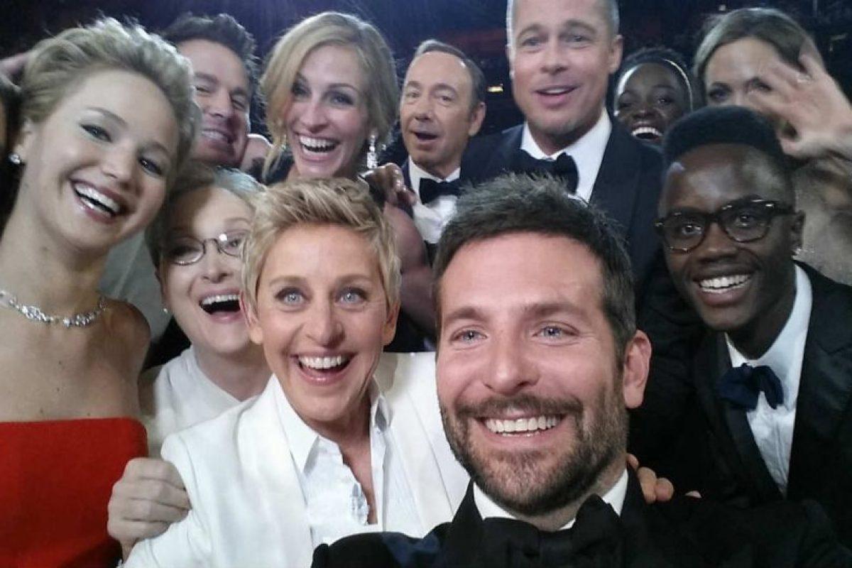 """El """"boom"""" de los selfies empezó gracias a esta famosa foto de los Oscares. Foto:Getty Images. Imagen Por:"""