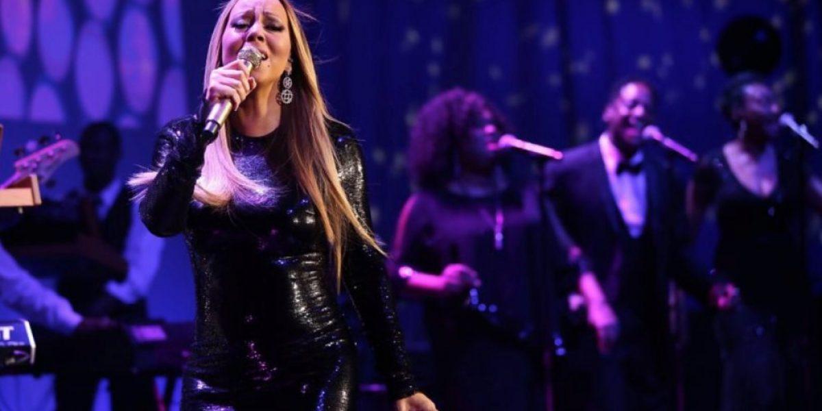 Mariah Carey perdió un zapato y casi cae en plena alfombra roja