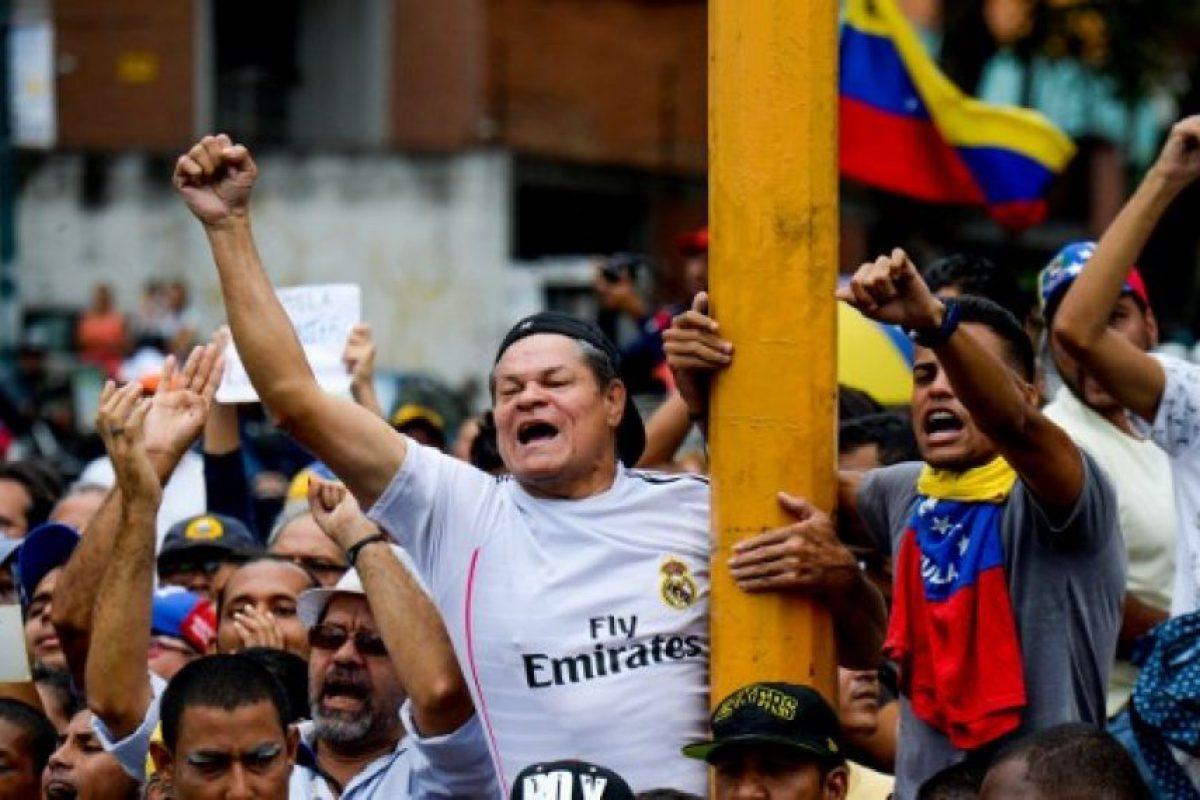 Aunque Nicolás Maduro asegura que su pueblo lo apoya, la oposición a conseguido más de un millón de firmas para solicitar un referéndum revocatorio. Foto:AFP. Imagen Por: